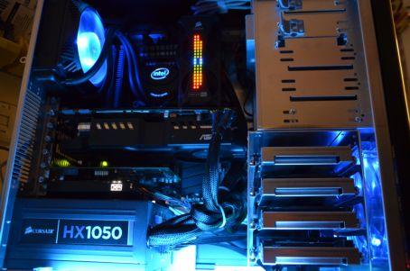 Computer met LED geheugen en Fluorlamp